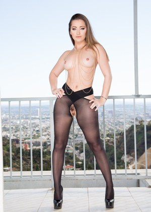 Free Pantyhose Porn Picture